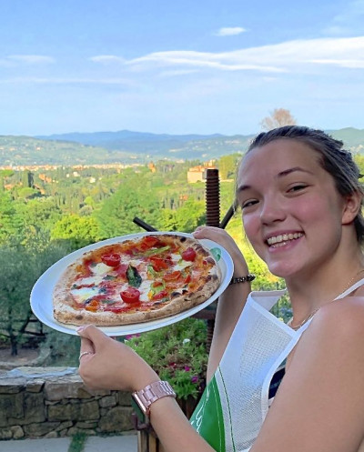 Pizza and Gelato Cooking Class at a Tuscany Farmhouse from Florence