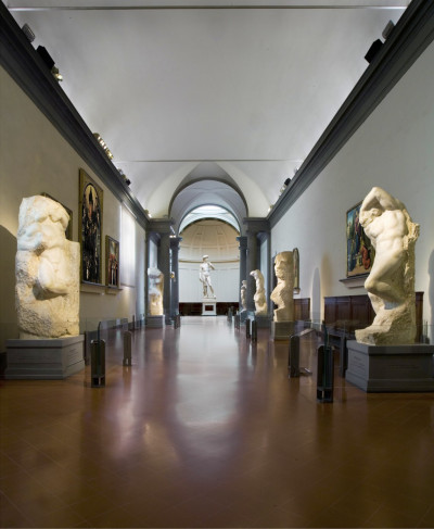 Accademia Gallery Tickets + Walkabout Guide